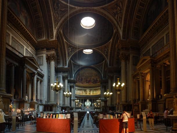 Intérieur de l'église Sainte-Marie