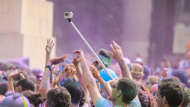 verbod selfie sticks bij festivals